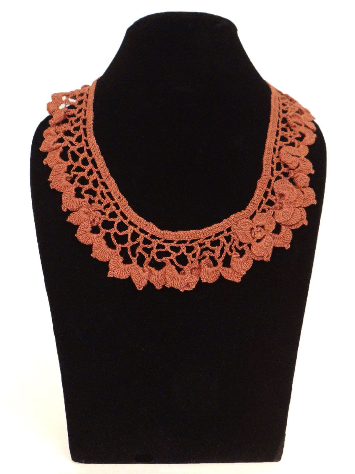 Pink color crochet fabic necklace