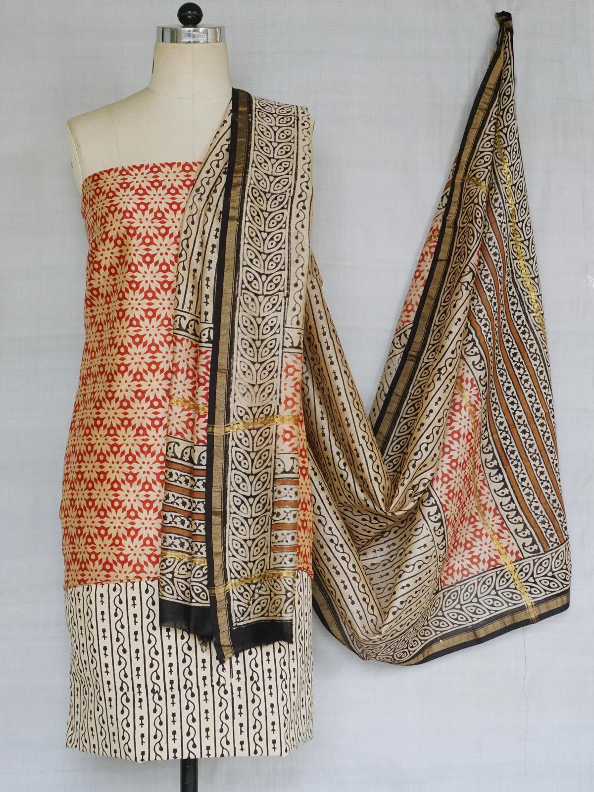 A set of chanderi kurta ,dupatta and cotton bottom