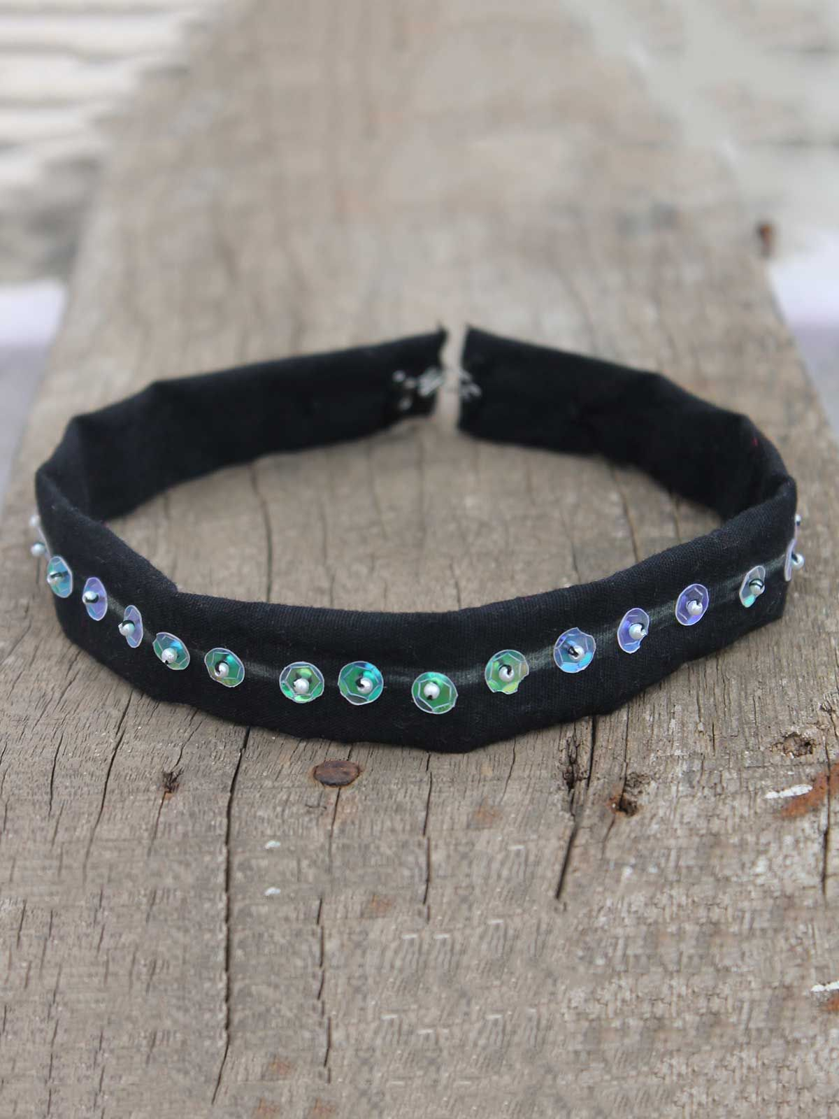 Tara black retro choker