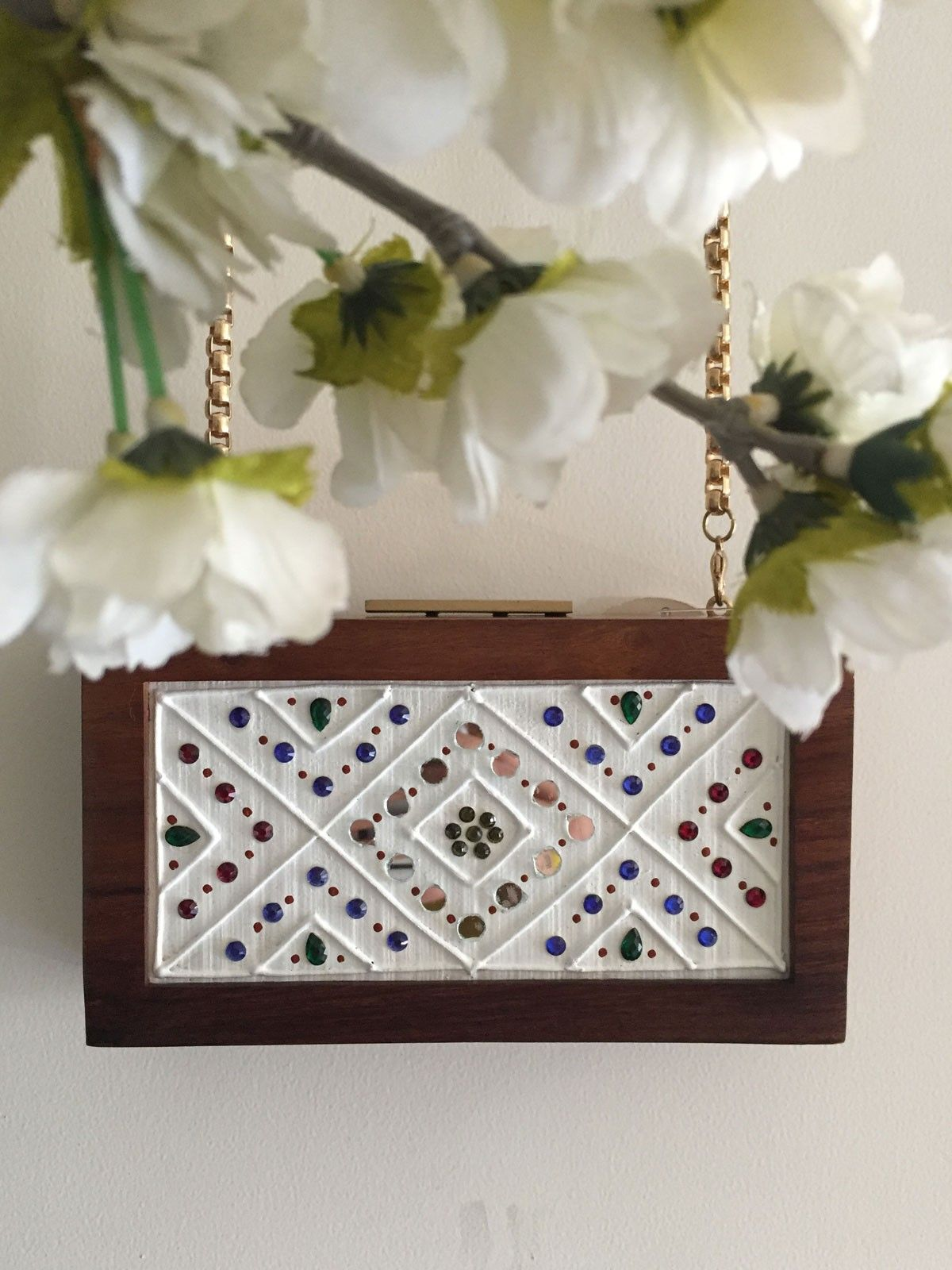 Leppan white womesn's wodden frame clutch with multicolor stones and mirror