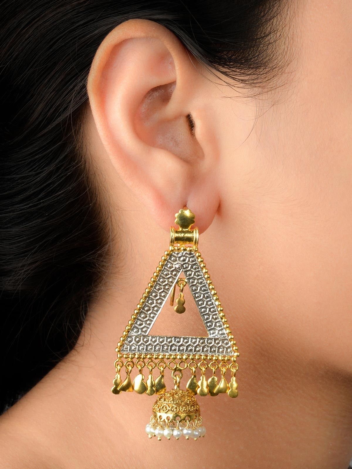 Engraved two-tone triangular silver earrings