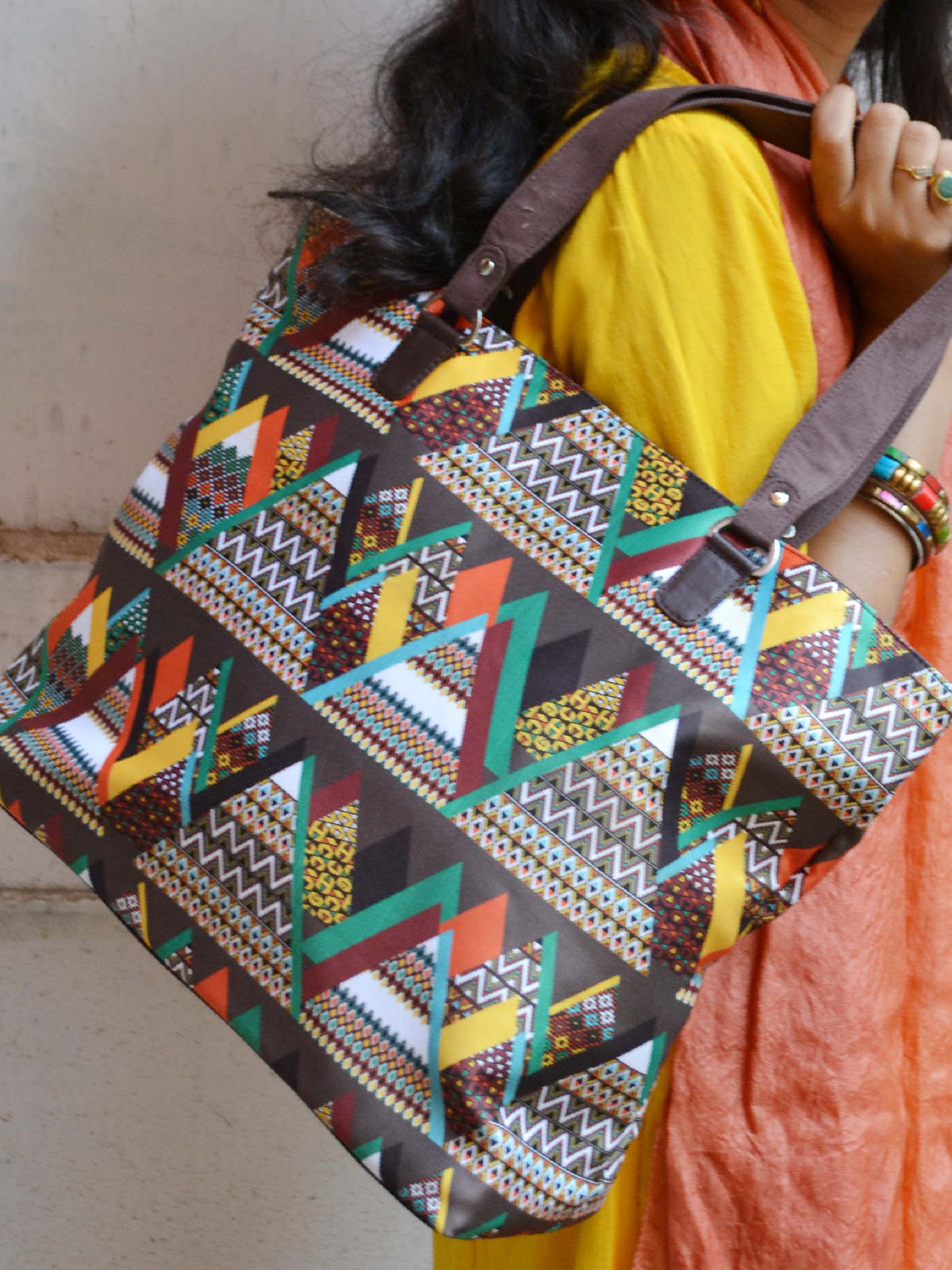 Mountain Printed hand bag
