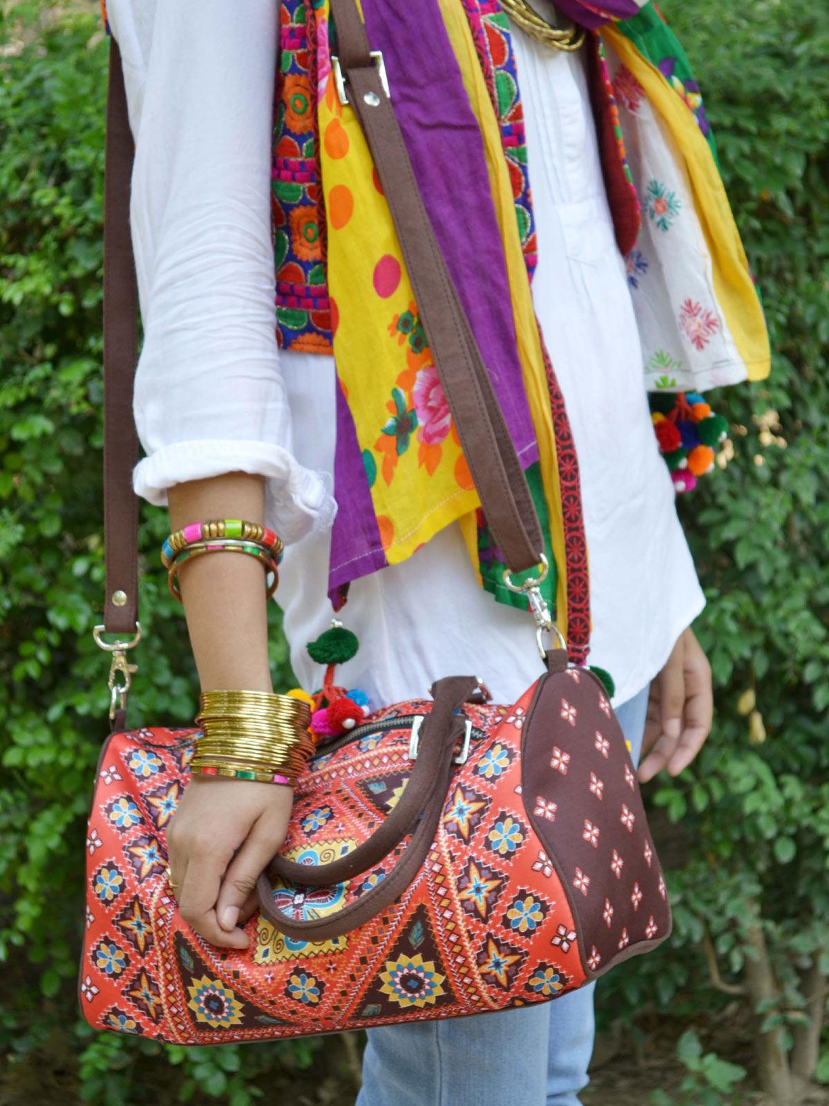 Kutch Printed duffle bag