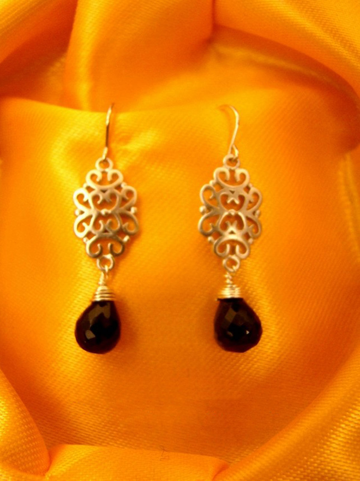 The Bright Night earrings