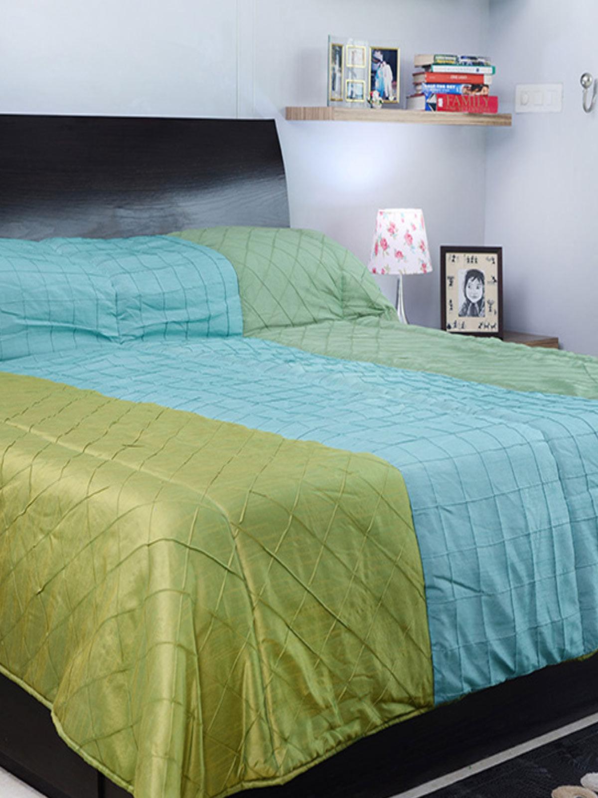 Hand made desiner Double Blanket (Green & Sky blue)