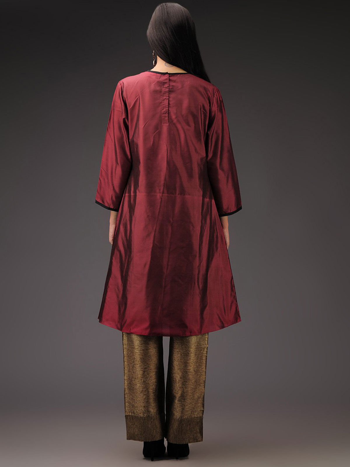 Raroon silk tunic with box pleat details