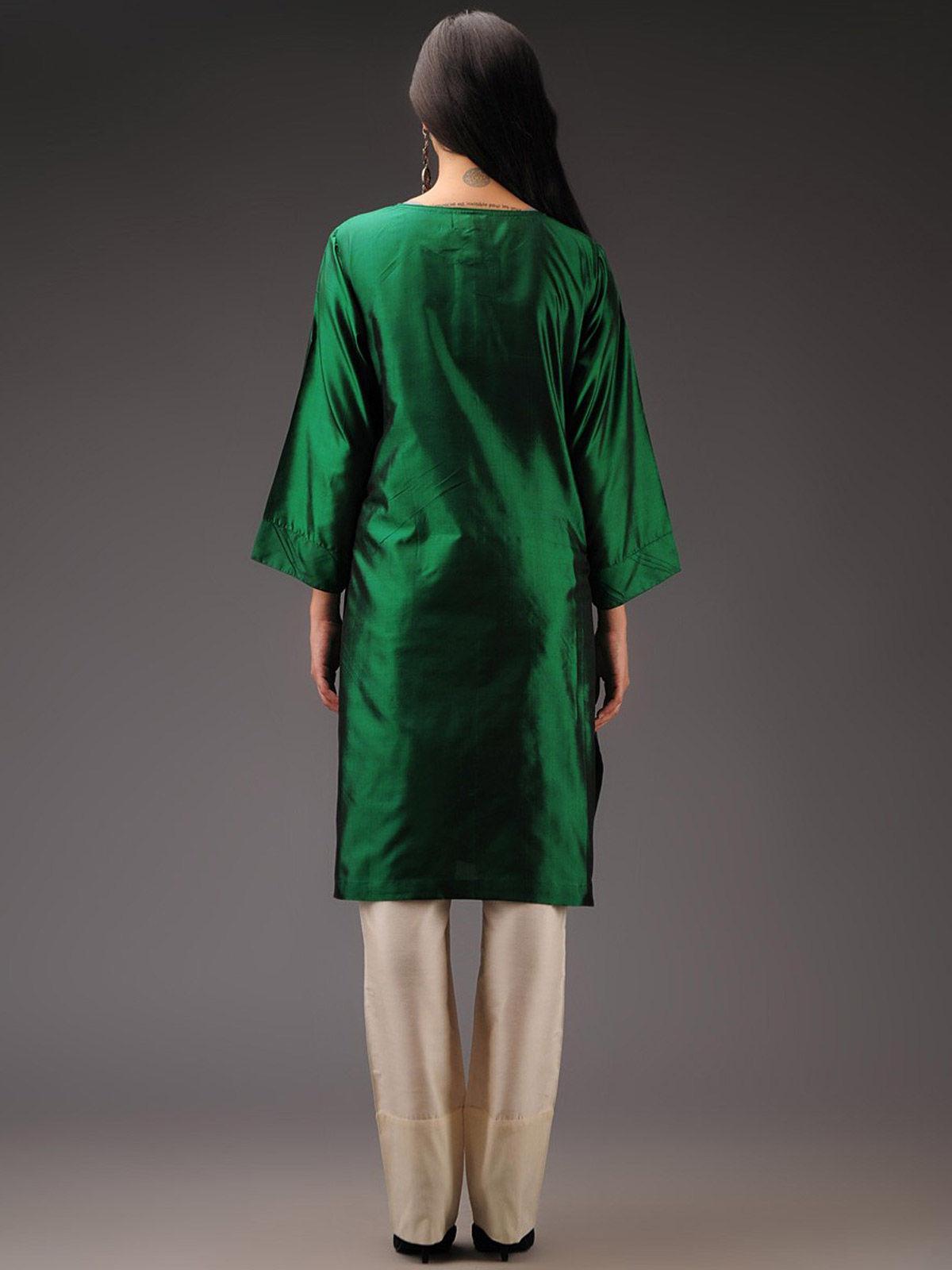 Green silk kurta with pintuck details