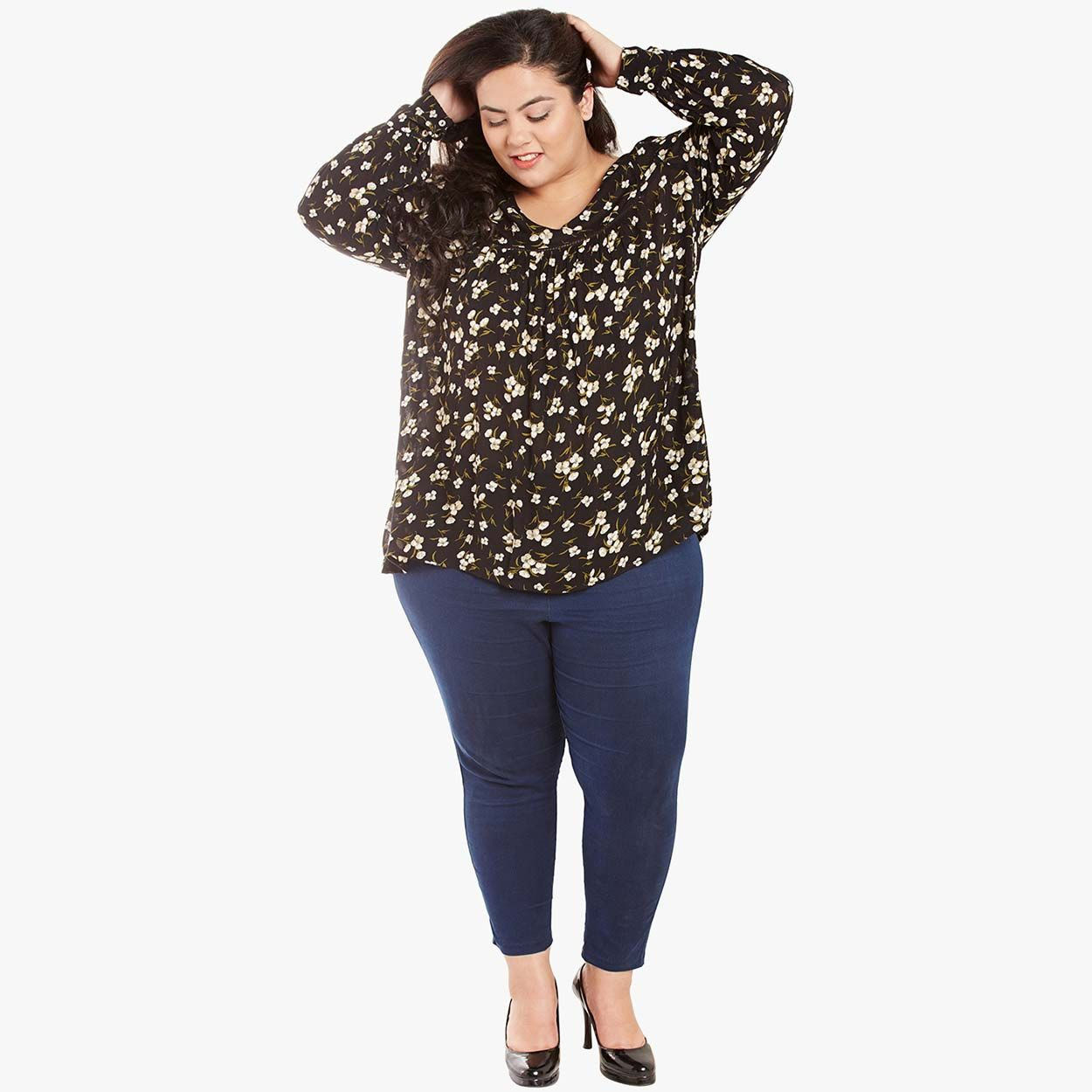 9b7f840b873 Buy Oxolloxo Plus Size Floral Printed Lace Details V Neck Top ...