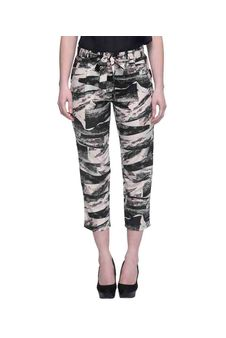 Women Black And Beige Printed Cropped Pants