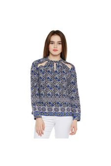 Border Print Cut-out Top