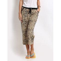 Leopard-Women Capri
