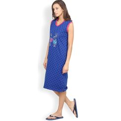 Nuteez Hearts  V-neck Nightdress for women