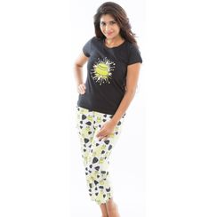 I Am Freak -Women Tee and Capri Set