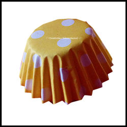 Chocolate Liners Yellow Base Polka Dots_6 cm