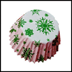 Chocolate Liners Green Snowflakes Design_7 cm