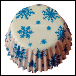 Chocolate Liners Blue Snowflakes Design_7 cm