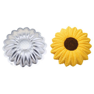 Aluminium sunflower cake mould