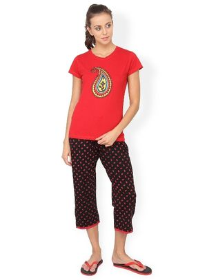 Nuteez Paisley  tee & capri set for women
