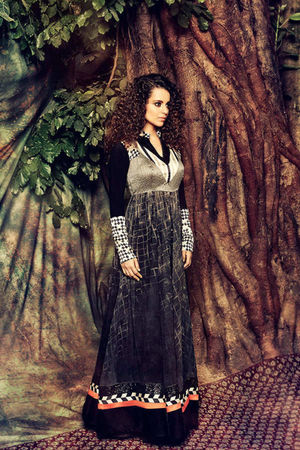 Kangana Ranuat Stylish Long Anarkali_4