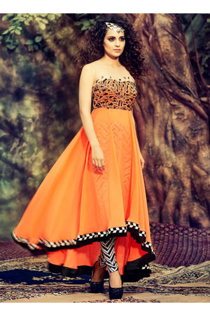 Kangana Ranuat Stylish Long Anarkali_5