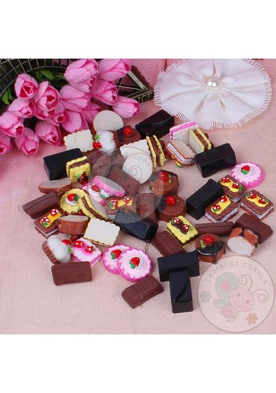 Cakes and Pastries - Mixed Pack of Cabochon - 50 pcs