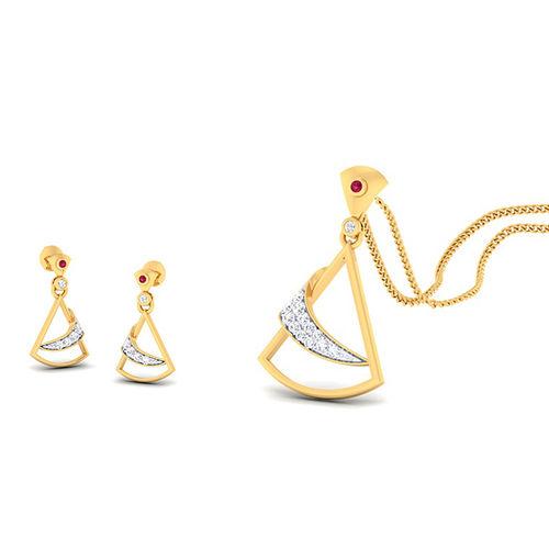 Amantran 14Kt Yellow Gold Diamond Pendant With Two Eaarings
