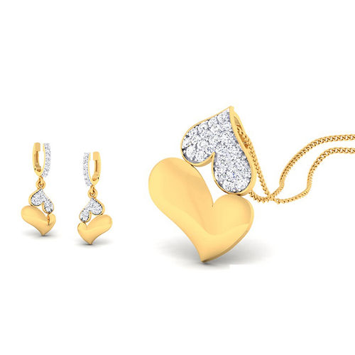 Amantran 14Kt Yellow Gold Diamond Heart Design Pendant With Two Eaarings