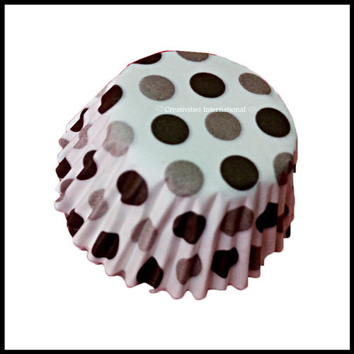 Chocolate Liners Black Base Polka Dots_7 cm