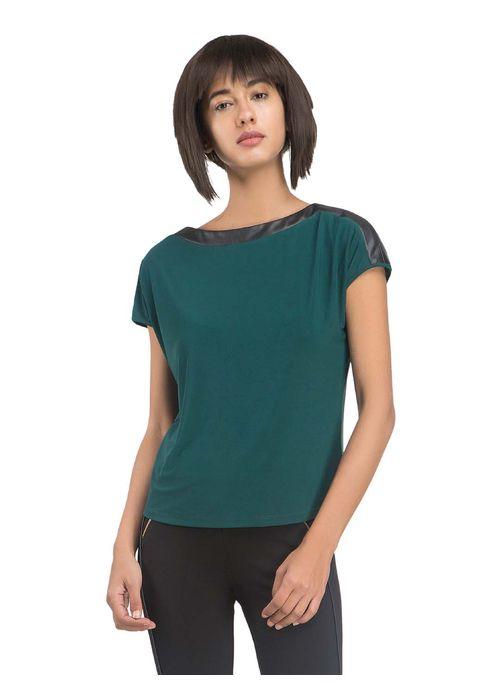 Camilia T-Shirt