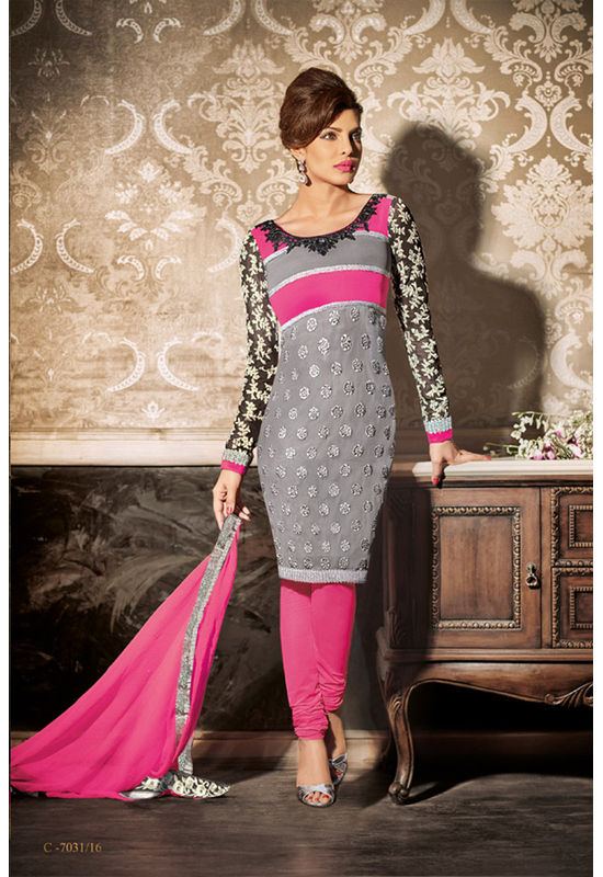 Priyanka_Chopra_Party_Wear_Straight_Suit2
