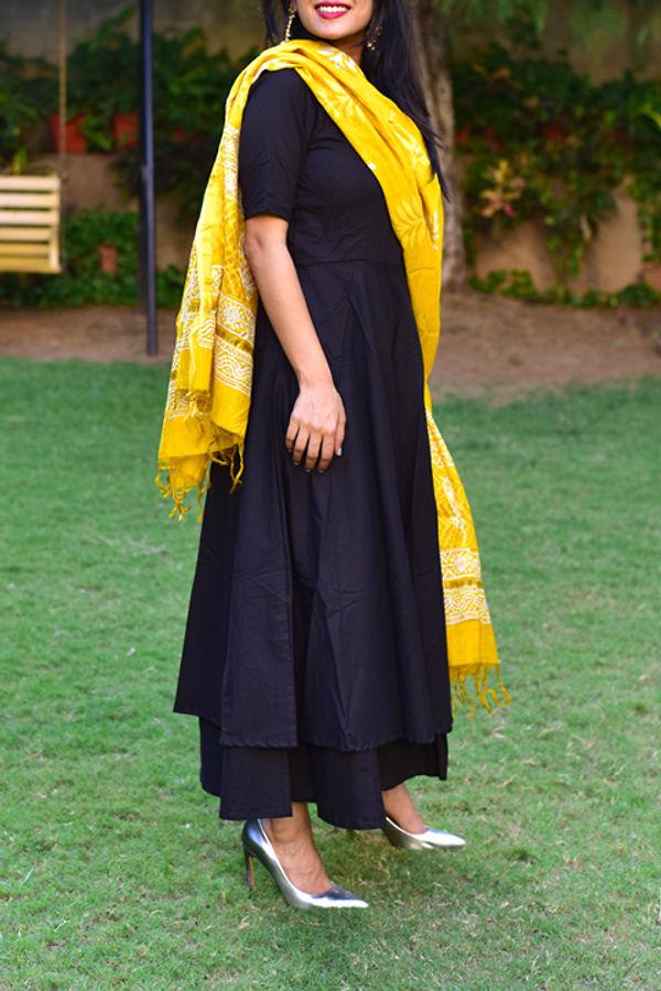 Black Suit Set Yellow Dupatta