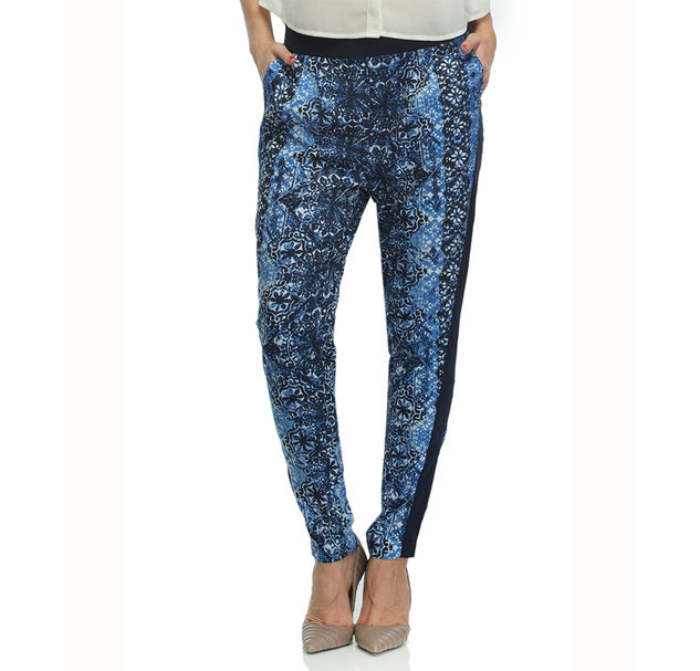Women Blue Printed Pants