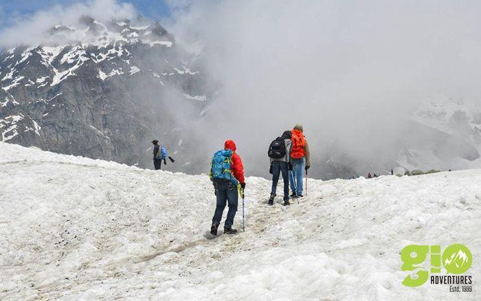 Backpacking Trek Hampta Pass & Chandratal