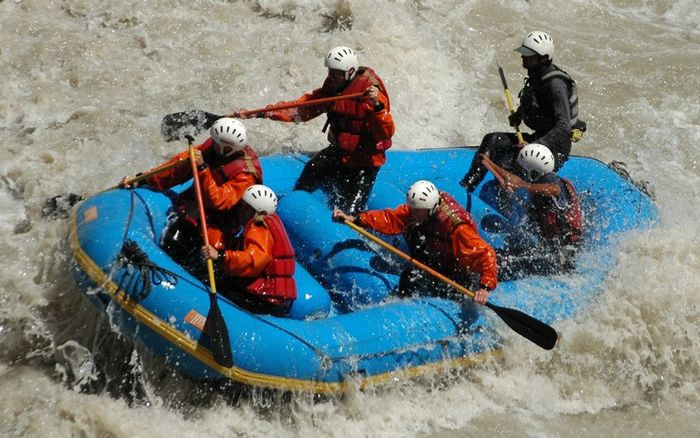 Rafting on Kali