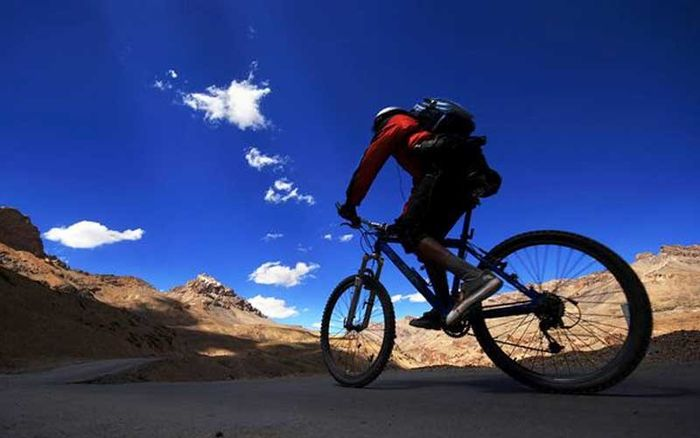 Cycling Tour McLeod Ganj - Palampur  ( Kangra Valley )