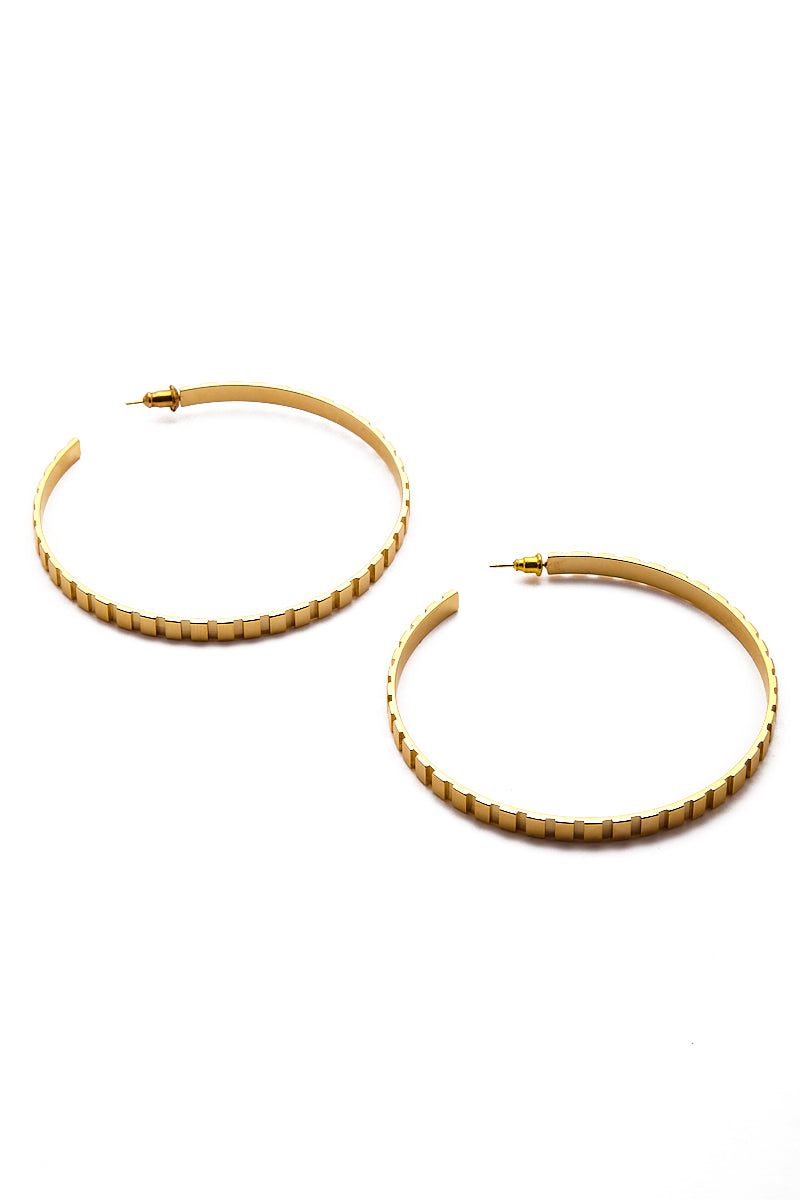 EKLEXIC Gold Rectangle Step Pattern Hoops Jewelry | Yellow Gold| Eklexic Gold Rectangle Step Pattern Hoops Far View
