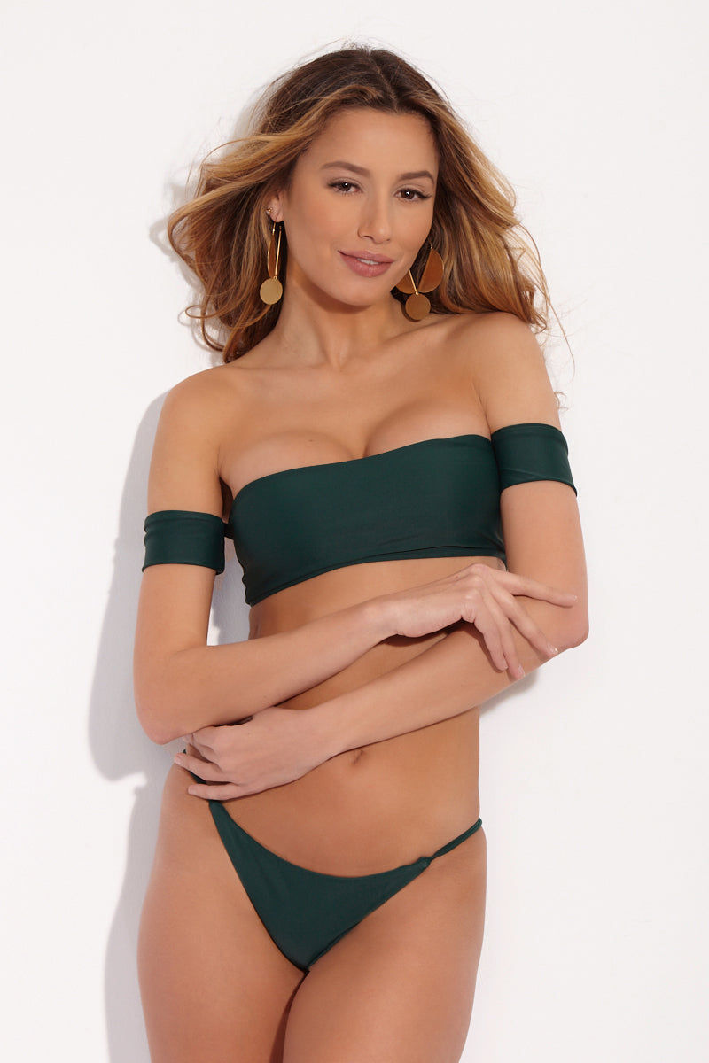 STONE FOX SWIM Wendy Off Shoulder Bikini Top - Rainforest Green Bikini Top | Rainforest Green| Stone Fox Swim Wendy Off Shoulder Bikini Top - Rainforest Green Front Forest green bandeau style bikini top. Slight sweetheart neckline. Short off the shoulder arm band sleeves. Front View
