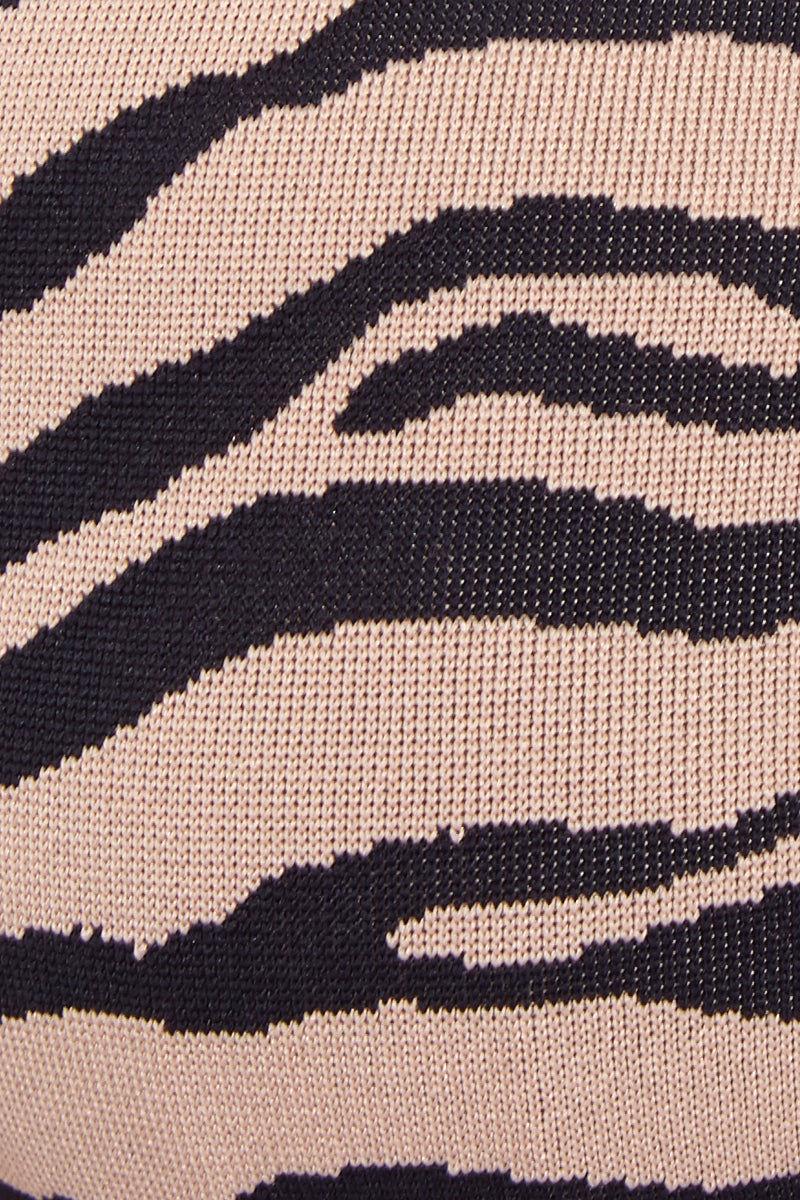 PRISM Manhattan Beach Top - Tiger Print Bikini Top | Tiger Print| Prism Manhattan Beach Bikini Top Swatch View Sporty Scoop Neckline Racer Back Builtin Underwire Bra
