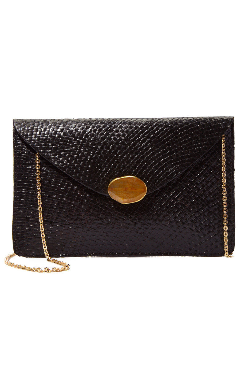 KAYU Capri Envelope Clutch Bag | Black| Kayu Capri Envelope Clutch Front View Envelope clutch  Handwoven natural straw and topped with a glimmering natural agate Optional drop-in chain strap Easily fits standard size cellphone