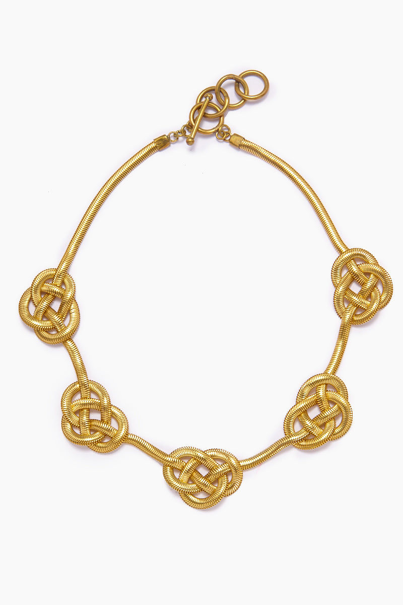 LENA BERNARD Sileas Knotted Gold Fishtail Chain Necklace Jewelry | Sileas Necklace - Gold