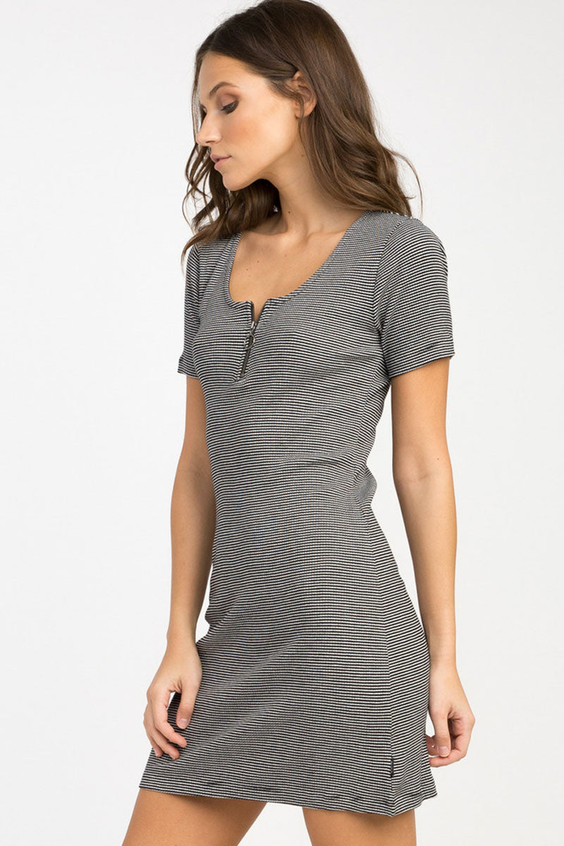 RVCA Zip It Ribbed Dress - Black Dress | Black| RVCA Zip It Ribbed Dress - Black Yarn dyed ribbed fitted dress Scoop neckline Circle pull zipper front at the bust Short sleeves Striped print throughout 91% viscose, 9% elastane Side View