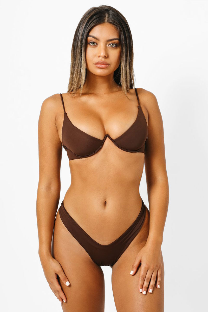 KAOHS Mia V Wire Bikini Top - Chocolate Brown Bikini Top | Chocolate Brown| Kaohs Mia V Wire Bikini Top - Chocolate Brown Features:   V wire detail Thin adjustable shoulder straps Back clasp closure Front View