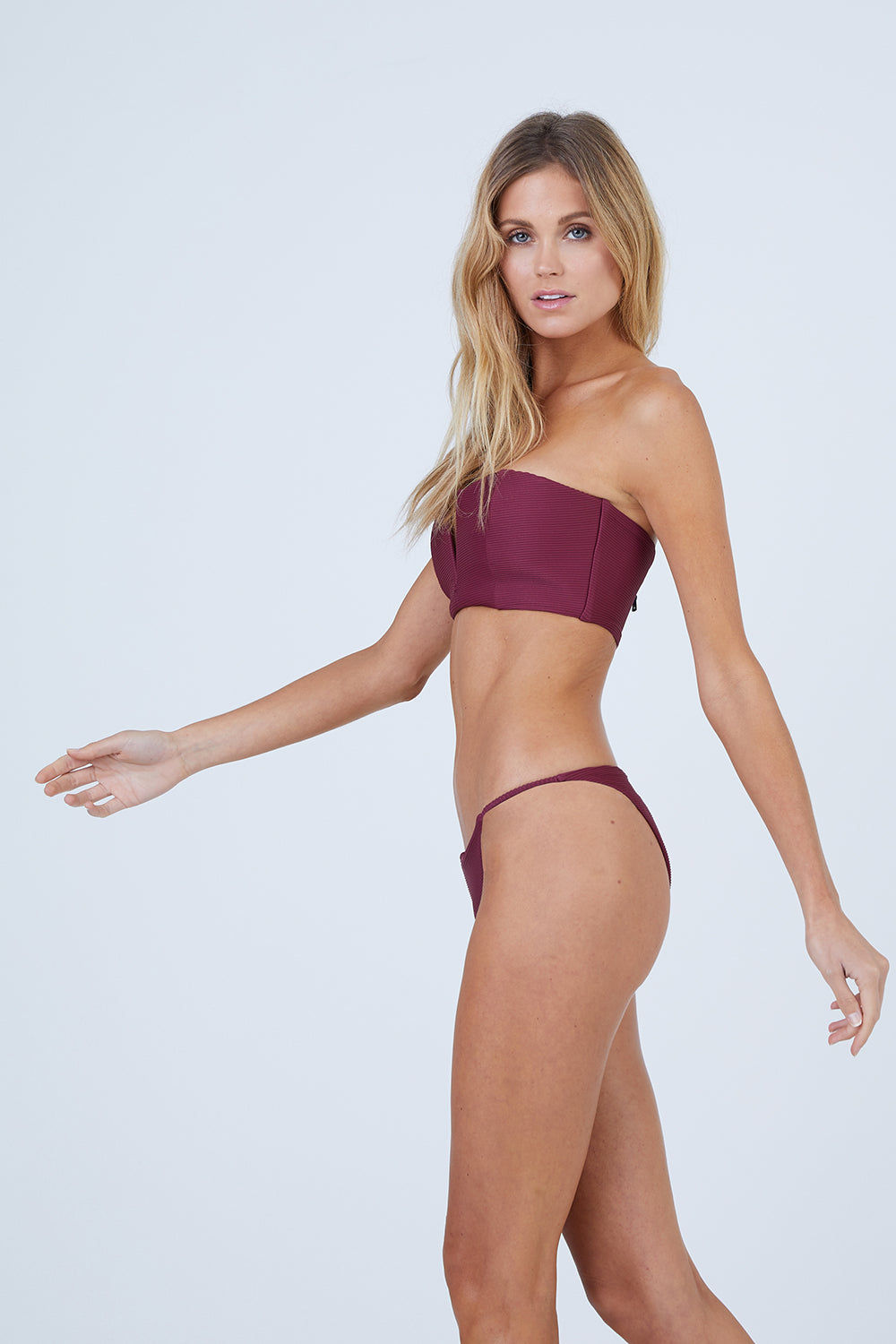 ONIA Julie V-Wire Bandeau Bikini Top - Maroon Red Bikini Top | Maroon Red| Onia Julie V-Wire Bandeau Bikini Top - Maroon Red Features:  Bandeau Style  V-Wire  Molded Foam Cups Princess Seam Back Zipper Closure Ribbed Fabric Front View