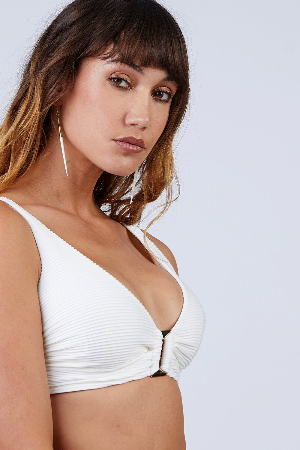 HEIDI KLEIN D-G Rectangle Ribbed  Bikini Top - Cream White Bikini Top | Cream White|  Heidi Klein D-G Rectangle Ribbed  Bikini Top - Cream White. Features:  Hardware at centre front and bone at side seam help with support and provide a luxurious finish. Underwired. The side seams and underarm coverage  provide support The bust is lined with sculpting fabric and the cradle is additionally lined in powermesh, thus making the top very supportive The bottom band ties are an adjustable tie back. The shoulder straps are adjustable in length and elasticated for comfort. Front View