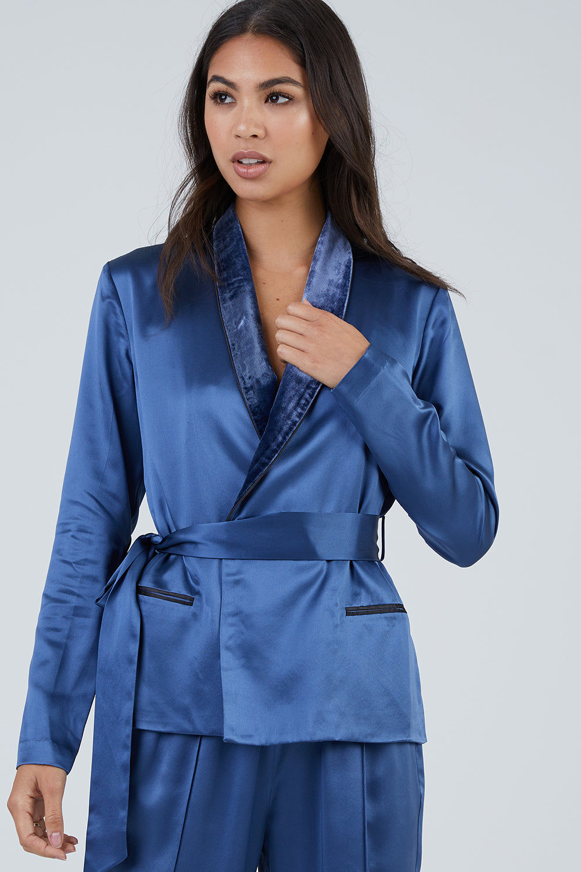 FLEUR DU MAL Silk Smoking Jacket With Velvet Trim - Caspian Blue Top | Caspian Blue| Fleur Du Mal Smoking Jacket - Caspian Blue Silk jacket  Velvet collar  Removable silk sash  Front pocket  Front View
