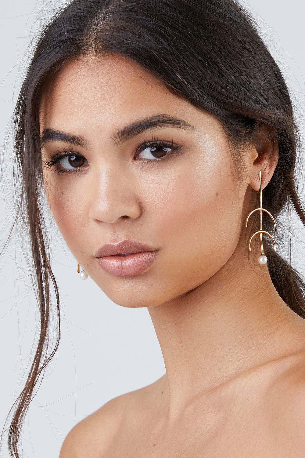 """DEA DIA JEWELRY Sequence Pearl Double Arc Earrings - Gold Jewelry 
