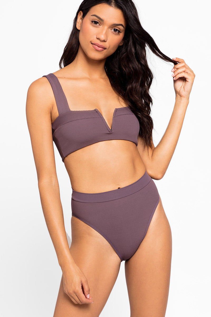 L SPACE Lee Lee V-Wire Bikini Top - Pebble Brown Bikini Top | Pebble Brown| L Space Lee Lee V-Wire Bikini Top - Pebble Brown Features:   V wire detail  Thick shoulder straps Front View