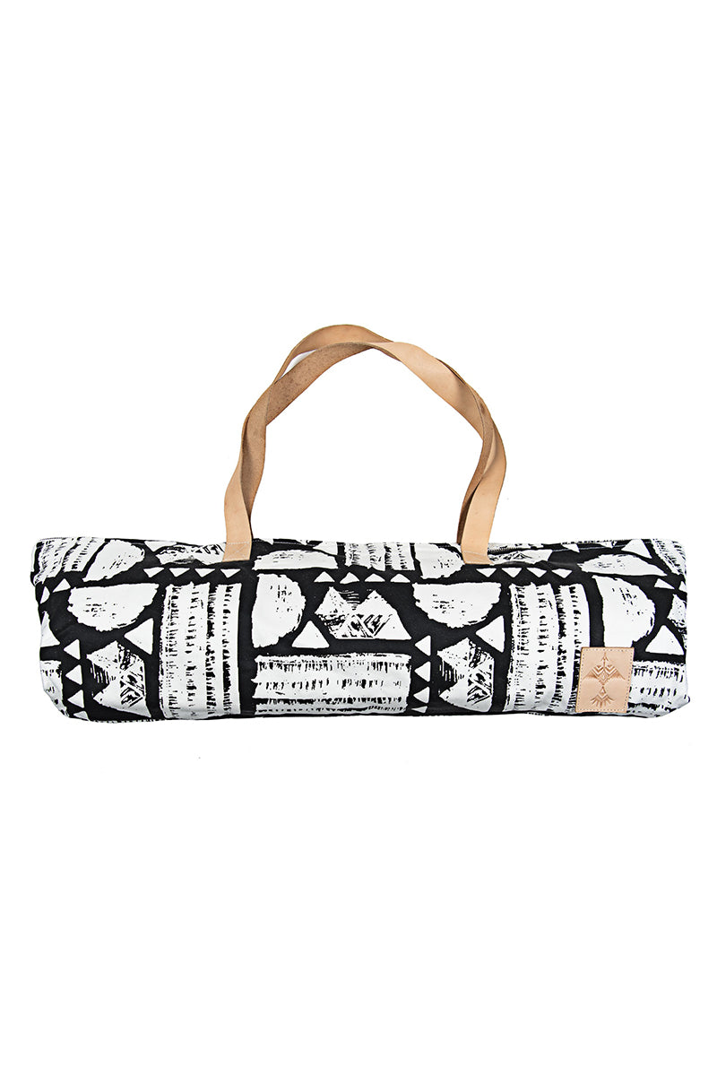 VAGABONDS GOODS Canguu Hipster Canvas Yoga Mat Tote Yoga Accessories | Canguu Hipster| Canguu Hipster Canvas Yoga Mat Tote Limited Edition Handcrafted Yoga Mat Bag With Pockets in Black and White Ikat Print Machine Washable