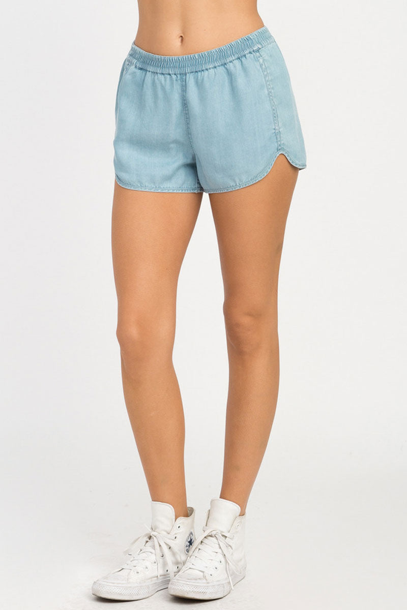 RVCA Coastal Elastic Shorts - Chambray Shorts | Chambray| RVCA Coastal Elastic Shorts - Chambray  Features:  Chambray soft shorts Low-rise silhouette Elastic waistband for a comfortable fit Seam pockets Curved hemline Back welt pockets 100% lyocell Side View