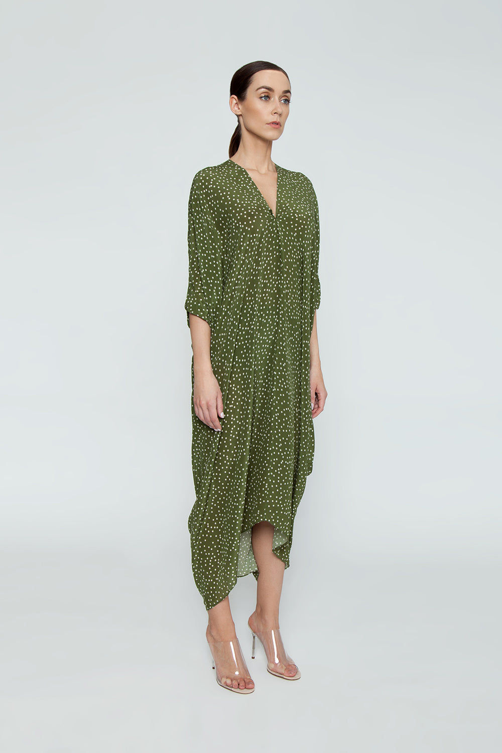ADRIANA DEGREAS Silk Crepe De Chine Long Kaftan - Mille Punti Green Dot Print Cover Up | Mille Punti Green Dot Print| Adriana Degreas Silk Crepe De Chine Long Kaftan - Mille Punti Green Dot Print Long kaftan V neckline  Flowy sleeves  Cut out back detail  Side View